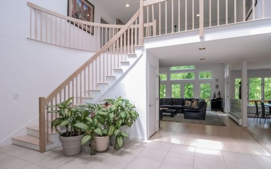13  piping brook lane foyer