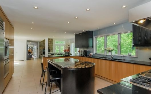 13 piping brook lane kitchen