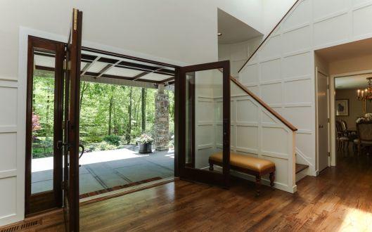 18 tallwoods foyer