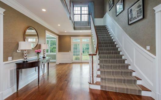 15 hammond ridge foyer