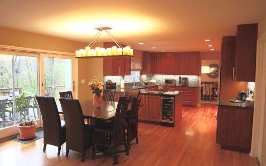 45 round house kitchen