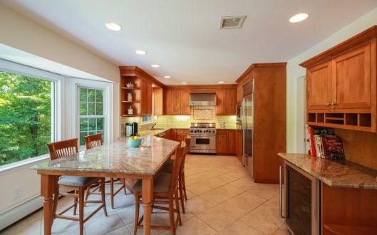 31-woodcrest-kitchen