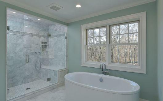 69-hickory-master-bath