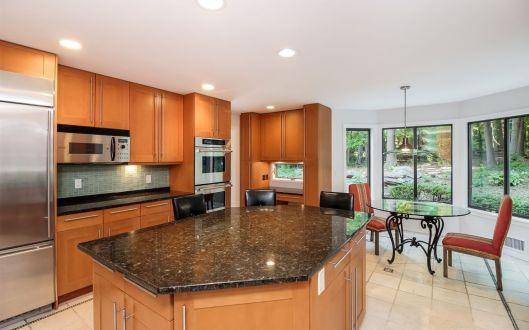 7-stone-kitchen