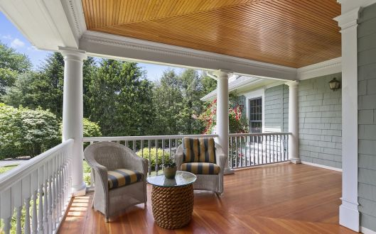 6-sniffen-porch